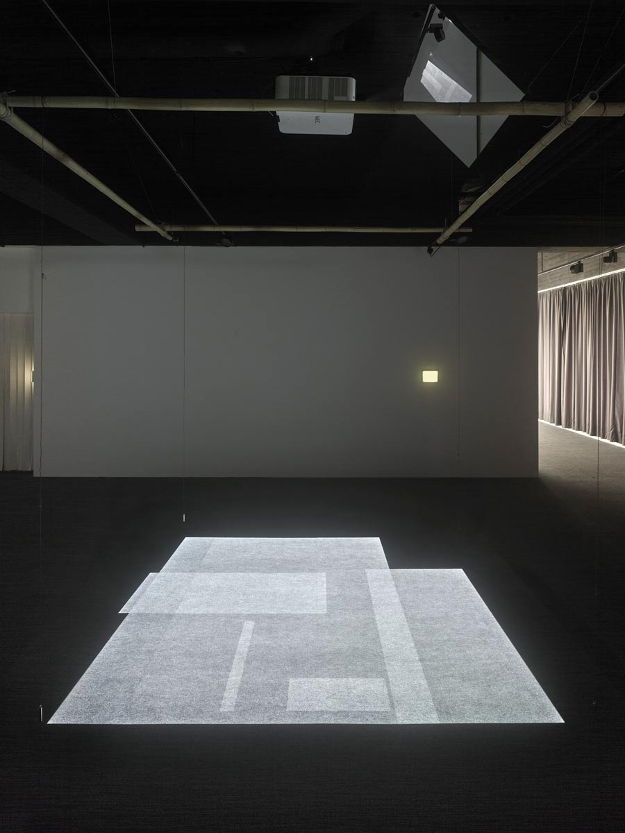'hōjō_10x10feet_shift II', 2018, Installation view Skulpturenmuseum Glaskasten, Marl / Photo: Archim Kukulies / © Archive Mischa Kuball, Düsseldorf
